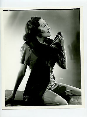 Vintage 8x10 Gloria Swanson star of silent film era fashion Icon, Norma Desmond