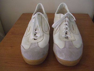 Mens Dunlop Badminton shoes size 10