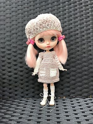 Blythe Doll Outfit - Knitted Handmade Dress And Beret