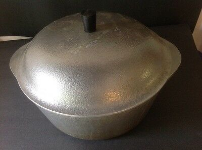 Vintage Hammered Club Aluminum Dutch Oven Lidded Cookpot 4.5 Quart 4 1/2 Qt