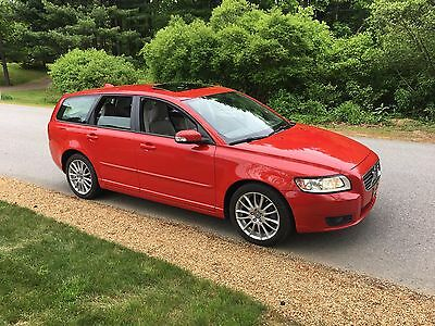2009 Volvo V50  2009 Volvo V50 Wagon 2.4i Remarkable Shape 1 Owner, New T belt