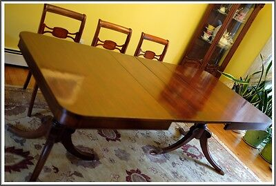 1920 Bernhardt Furniture Antique Dining Table Solid Mahogany Very Good Condition