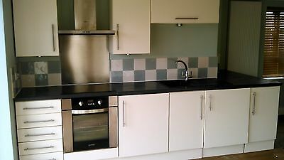 Complete Used Kitchen With Cooker Fridge Washer/dryer