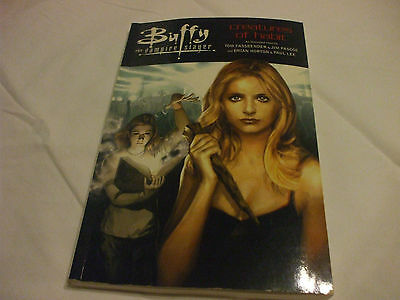 Buffy The Vampire Slayer 1st Ed. Creatures of Habit Softcover  Collector's Book