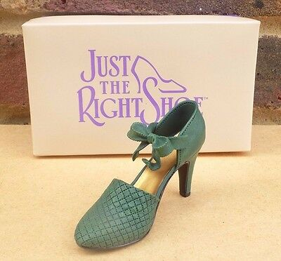 JUST THE RIGHT SHOE - Sumptuous Quilt