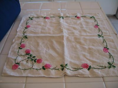 Nice Vintage Pair Of  Embroidered Pink Flowers Floral Doilies Doily Scarves