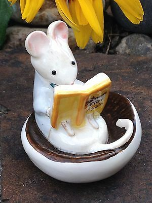 RARE Vintage Beswick Kitty MacBride 'A Good Read' 2529 Mouse Reading EXCELLENT