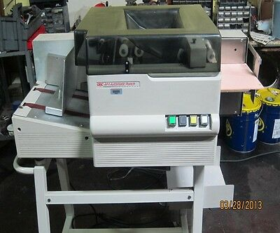 GBC General Binding Corp AP-1 Automatic Coil Punch AP1
