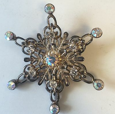 Vintage Snowflake Christmas Brooch Pin With Rhinestones