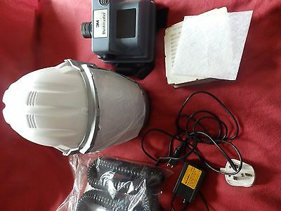 3M airstream dustmaster  BATTERY powered AIR FED MASK RESPIRATOR  safety helmet
