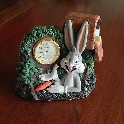 Looney Tunes Bugs Bunny Clock 3D Hand Painted 1995 NEW Upc 087413323019