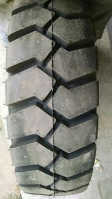 (1) NEW 8.25-15 CARLISLE FORKLIFT TIRE 12 PLY 8.25 15 8.25x15  * MADE IN U.S.A.*