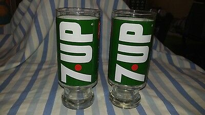 2 vintage 7-up wet and wild glasses soda pop the uncola 70s glass logo pair