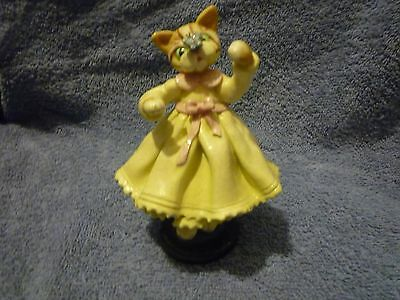 1998 Donna Little Cat in dress with butterfly on her nose figurine