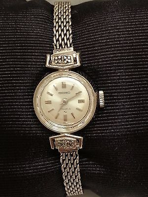 Vintage Seiko Women's Watch Model: 11-0210 - 17 Jewels Manual Winding