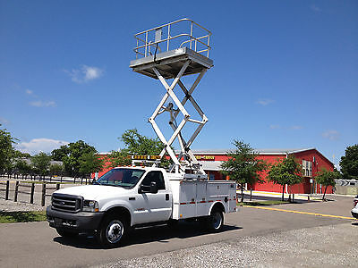 23' working height platform lift w/electric pump will fit in utility bed truck