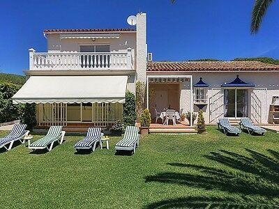 500m from Cabopino Sand newly refurbished Detached villa 400 metres from Beach