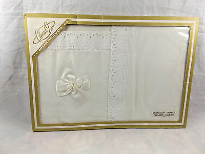 Vintage Ca 1960s Pair Cloud 9 Embroidery Trimmed Pillow Cases NIP