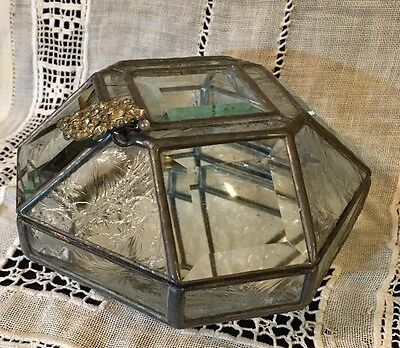 """Antique EIGHT-SIDED LEADED Beveled & Etched Glass Paneled Curio Display Box. 7""""W"""