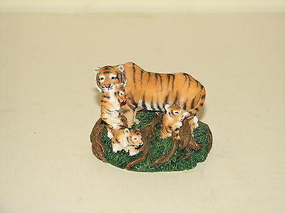 Living Stone Endangered Classics Tiger Family Mom Cubs Statue Figure 1998 1.5""