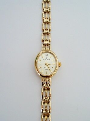 Beautiful Diamond Set 9ct Gold Sovereign Watch