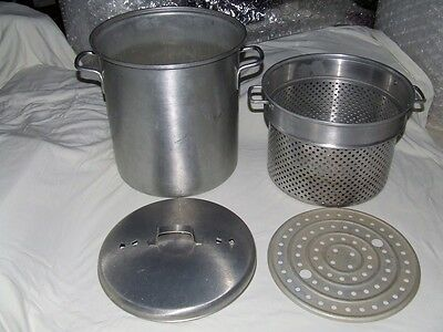 LEYSE 20 Qt~Aluminum Stock Pot~Raised Steamer Basket~Tamale Trivet~Vented Lid