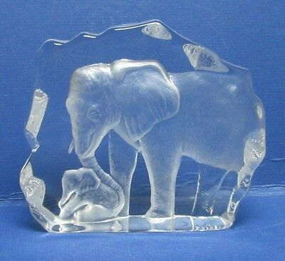 Mats Jonasson Mother & Baby calf Elephants Crystal Glass Signature Collection
