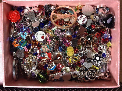 Lot of 10,000 Floating Charms & Accessories