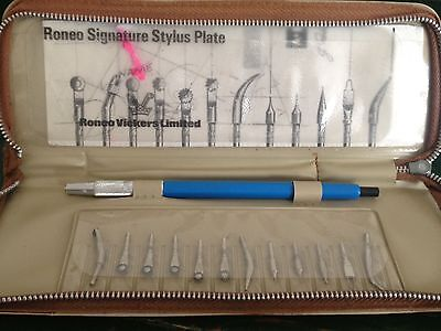 Old Vintage Roneo Vickers Signature Stylus Stencil Clutch Pen and Nibs in Case