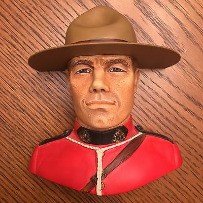 Bossons Heads Royal Canadian Mounted Policeman Chalkware Wall Art England MINT