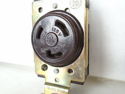 Ge Female Receptacle 20 Amp 125 Volt 2 Pole 3 Wire Locking Connector