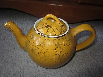 Vintage Hall 8 Cup Pottery Teapot Made in USA