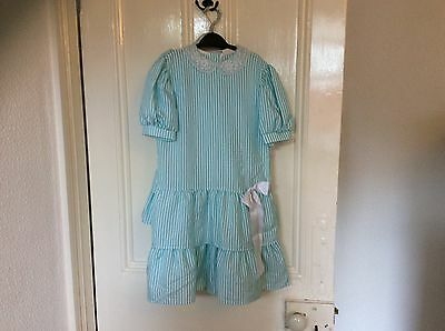 Vintage child's dress age 7/8 by occassions