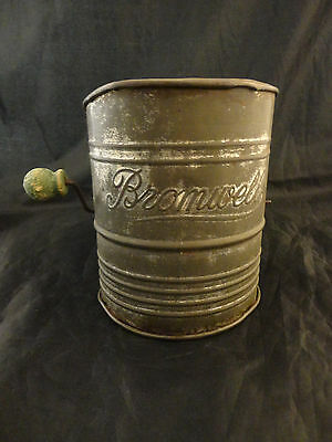 Vintage Mid Century Bromwell's Five Cup Measuring Sifter w/ Green Wood Handle