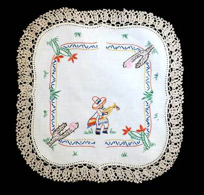 Vintage embroidered square Mexican and cactus doily measuring 24cm across