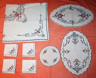 Small Square Embroidered Cross Stitch Table Cloth + 4 Serviettes + 3 Doilies