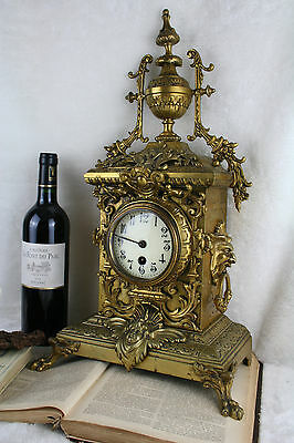 Exclusive Bronze antique French clock with putti / lion paws / devil head rare