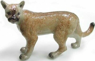 Cougar Standing - R044