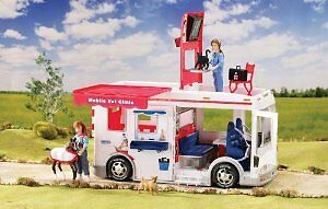 Breyer Mobile Vet Clinic with Lights and Sound 61060