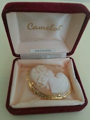 Beautiful Vintage Cameo Brooch 45mm x 35mm Gold Plated