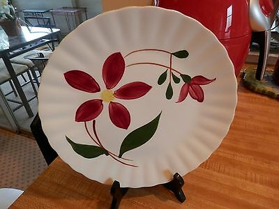 """Blue Ridge Southern Potteries large Red Flowers Dinner Plate 9-1/2"""" excellent"""