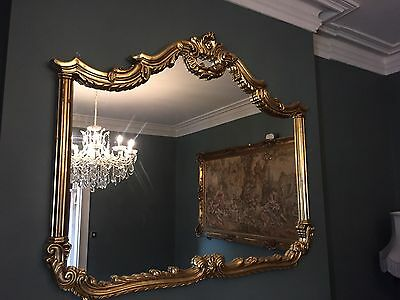 Antique Style Gold Mirror With Stunning Detailing