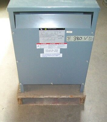 Square D 15T931H 15 kVA 380V Primary / 208Y/120 Secondary 3Ø 60 Hz