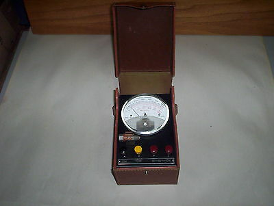 Vintage Robertshaw-Fulton Test Instrument Model 32-JP-4-MV Tester Unit