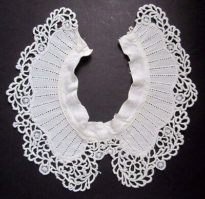 Antique Vintage Collar with Lace Edge Light Ivory Cotton Button and Loop Closure
