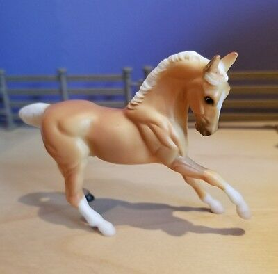 Stablemate palomino G2 warmblood:  Flicka in the Wild