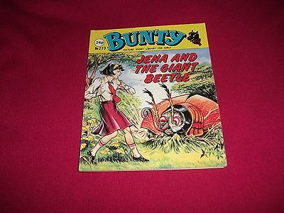 BUNTY  PICTURE STORY LIBRARY BOOK from the 1980's - never been read- vg condit!