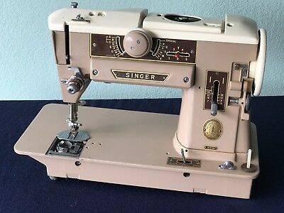 Vintage Singer 401A Sewing Machine with Extras '' for parts or repairs''