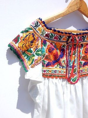 VINTAGE MEXICAN TOP~Embroidered Cotton Chiapas People Oaxacan Folk Free Ship