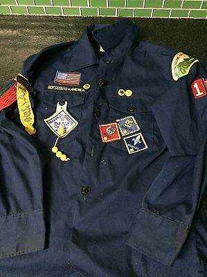 Vintage BOY SCOUTS Boy's Shirt Lots Or Patches And Pins Large